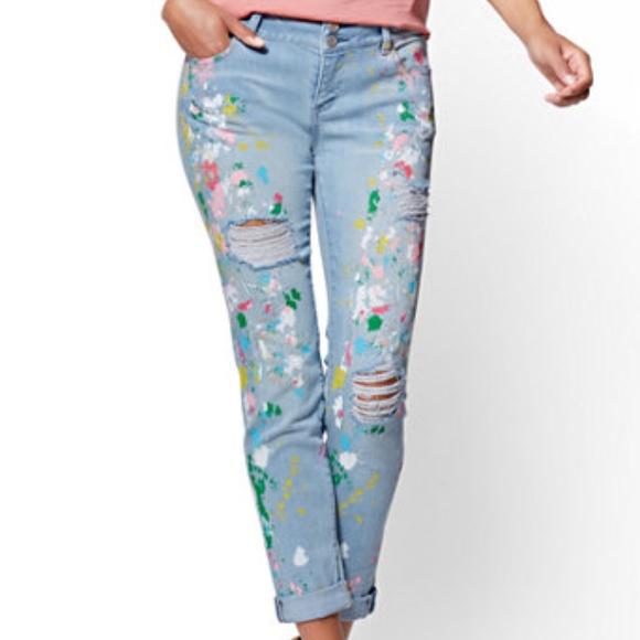 5d276a9c35ed New York   Company Painted Boyfriend Soho Jeans. M 5ab0386105f43095aea1971c